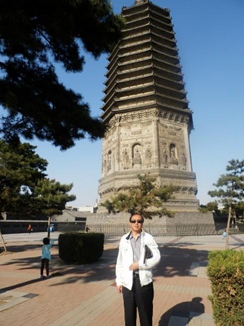 陪同付宝华院长考察了古塔历史文化公园及锦州古玩城